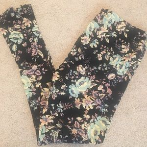 Lularoe TC floral leggings